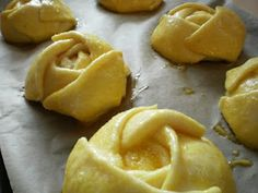 Bucataresele Vesele-retete culinare,retete ilustrate: Branzoaice trandafir
