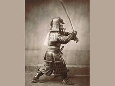 Samurai with Raised Sword circa 1860 Bel Après Midi, Creepy Vintage, Amazing Songs, Japanese Sword, Samurai Art, Print Wallpaper, World Music, Historical Photos, Frames On Wall