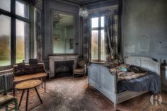 https://flic.kr/p/hDFzkf | Chateau de la Foret (BE) | A lovely abandoned castle which has been left alone for about 8 years now. It doesn't get any better than this..