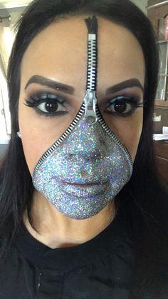 Zipper Face Costume, Zipper Face Makeup, White Face Makeup, Skeleton Makeup, Skull Makeup, Makeup Art, Top Halloween Costumes, Halloween Looks, Halloween Ideas