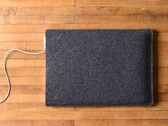 Simple MacBook Pro Sleeve - Charcoal Felt
