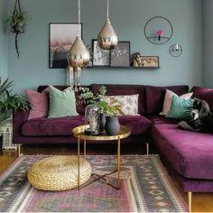 Colourful Living Room, Living Room Green, Boho Living Room, Living Room Colors, Living Room Sofa, Living Room Designs, Boho Room, Purple Couch, Home Decor Ideas