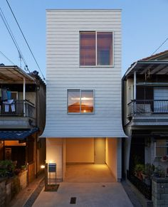 narrow home - Japan is known for its unique and culturally specific architecture and this narrow home created by Japanese architect 'Ninkipen! Modern Minimalist House, Minimalist Architecture, Japanese Architecture, Facade Architecture, Minimalist Design, House Design Pictures, Small House Design, Japanese House, Facade House
