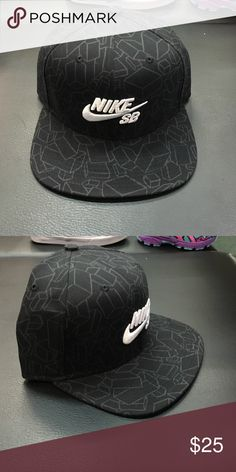 Nike SB GM Pro SnapBack Hat New With Tags Nike SB Artist GM Pro 708906-010 hat in black. Onesize (which is adjustable ). Nike sb Accessories Hats