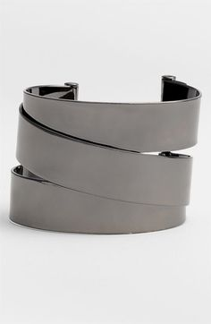 MARC JACOBS cuff