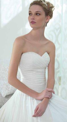 #elegance #weddingdress #style #vogue #sposa #abitidasposa #fashion #bridalfashion #whitedress