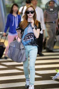 Jessica : 130704 Airport, Waltz ON