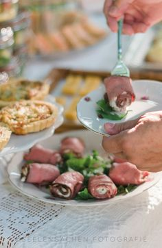 Time for Tea describes the various tea meals in England and gives you the recipes of blueberry muffins with streusel topping and of roast beef rolls. Buttermilk Muffins, Beef Roll, Streusel Topping, Roast Beef, Blue Berry Muffins, Tea Time, Tea Party, Blueberry, Rolls