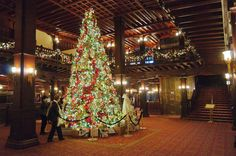 Massive Christmas decorating pitures | Hotel Del Coronado Christmas Tree & Lobby 2011 | The World Is Raw
