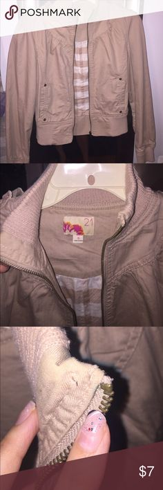 Forever 21 canvas jacket khaki colored Cute addition to your Fall wardrobe! Lightweight material, canvas/khaki. Tiny green mark shown in 3rd pic. It is on inside of zipper, not outside. And if worn with a scarf, no one will be able to see it for sure! Own this cute jacket today! Xoxo Forever 21 Jackets & Coats