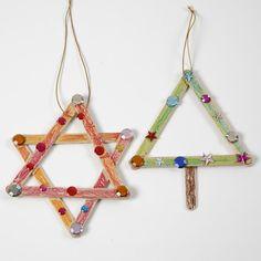 13375 Stjerne og juletræ af dekorerede ispinde