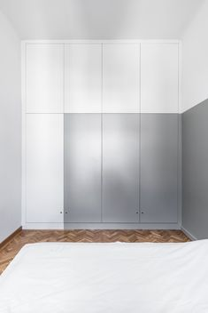 Galeria de Strict Elegance / batlab architects - 15