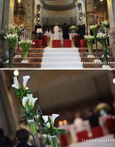 Fioreria Oltre/ Wedding ceremony/ Church wedding flowers/ Calla lilies  https://it.pinterest.com/fioreriaoltre/fioreria-oltre-wedding-ceremonies/