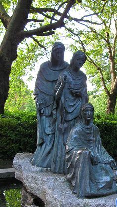 St. Stephen's Green in Dublin - the Three Fates
