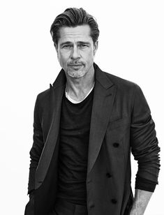 Brad Pitt stars in Brioni's spring-summer 2020 campaign. Brioni continues its Tailoring Legends campaign for spring-summer The Italian label enlists brand… Trimmed Beard Styles, Faded Beard Styles, Types Of Beard Styles, Beard Styles For Men, Shaved Head With Beard, Bald With Beard, Indian Beard Style, Brad Pitt Style, Brad Pitt Pictures