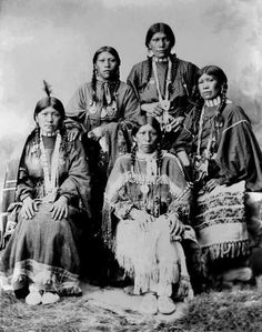 Five Ute women. Circa 1899.