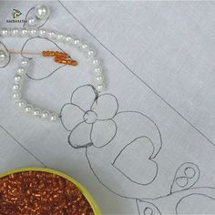 Bordado con perlas The Effective Pictures We Offer You About Bead Embroidery Patterns seeds A qualit Bead Embroidery Tutorial, Hand Embroidery Videos, Basic Embroidery Stitches, Hand Embroidery Flowers, Bead Embroidery Patterns, Flower Embroidery Designs, Creative Embroidery, Bead Embroidery Jewelry, Learn Embroidery