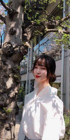 South Korean Girls, Korean Girl Groups, Gfriend Yuju, January 15, Kpop Groups, My Idol, Girlfriends, Sirens, Blog