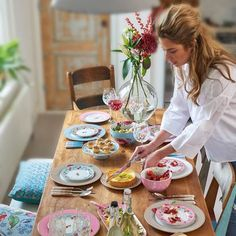 Pip Studio the Official website - Floral Plate Cherry 17 cm Khaki Pip Studio, Studio Table, 257, Cooking Gadgets, Carnival Glass, Cake Plates, Dinner Plates, Dinnerware, Table Settings