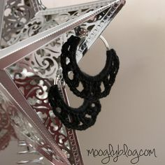 Timeless Crochet Earring - only take 30 minutes to make! Free pattern and tutorial on moolgyblog.com