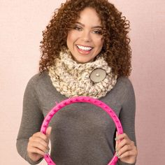 "Chase away the chill with a great neutral cowl that goes with everything! Quick, easy loom knitting project. <p style=""text-align:center""><img alt="""" src=""http://demandware.edgesuite.net/aawa_prd/on/demandware.static/-/Sites-simplicity-project-master/default/dw79368827/images/project/Project-Ratings_Yarn-Weights/Easy.jpg"" title="""" /></p>"