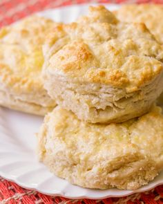 Flaky, buttery homemade biscuits that are to die for. These delicious biscuits are not only simple and soft, but make the perfect side dish for any meal.