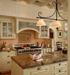Classic Country/Rustic Kitchen by Stacey Lapuk