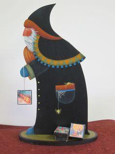 """Spooky Santa""...Cynthia Erekson Reflections of the Past patterns. 978-234-8222"