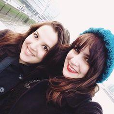 London Cold weather with @meirellesfernanda  Melina Souza e Fernanda Meirelles - Serendipity  <3