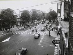 Overtoom met uitzicht op de t-kruising met de Jan Pieter Heijestraat, 1972.