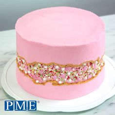 Have you tried the new Fault Line Cake trend Here s a quick tutorial Give it a go pmecake cakedecorating baking cakeideas partyideas Buttercream Cake, Fondant Cakes, Cupcake Cakes, Food Cakes, Cake Decorating Videos, Cake Decorating Techniques, Geode Cake, Birthday Cakes For Women, Cake Birthday