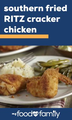 Southern Fried RITZ Cracker Chicken – For comfort food that takes just 20 minutes of prep, check out this fried chicken recipe! Providing perfectly crispy results, this is one recipe you don't want to miss. Fried Chicken Livers, Fried Chicken Recipes, Baked Chicken Breast, Ritz Chicken, Ritz Cracker Chicken, Ritz Cracker Recipes, Best Roast Potatoes, Easy Pork Chop Recipes, Bisquick Recipes