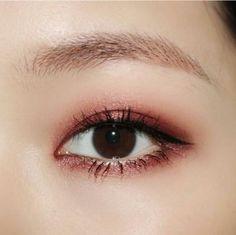 Pink subtle liner / shadow                                                                                                                                                                                 More