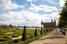 Castle garden - Frederiksborg Denmark by jaco7717 #ErnstStrasser #Dänemark #Denmark Vineyard, Castle, Activities, Garden, Outdoor, Outdoors, Lawn And Garden, Gardens, Outdoor Games