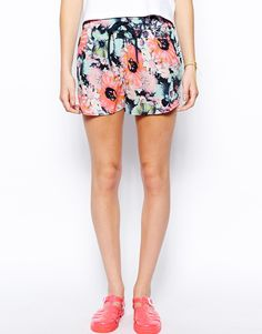 Image 4 of Only Relaxed Floral Shorts