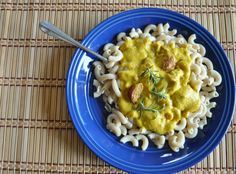 Squash Cashew Alfredo, Dairy Free (Vegan or not), simple and so tasty! Though it looks like a baby pooped on my noodles. - Pickle Me Too Best Vegan Recipes, Gluten Free Recipes, Vegetarian Recipes, Fun Recipes, How To Cook Chicken, Cooked Chicken, Chicken Bacon, Spaghetti Squash, Macaroni And Cheese
