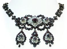 Antikes Granat Schmuckset |Collier, Armband, Ring, Ohringe,Brosche mit böhm.Granat und Perlen#vintage #schmuck #granat #jewels #jewellery #garnet #schmuckboerse #antique