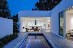 Resultado de imagen para casa pequeña moderna con piscina