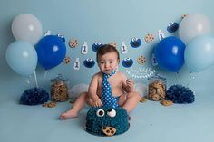 Cookie Monster birthday garland with milk and cookies