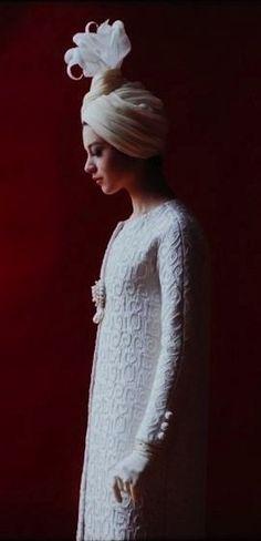 (via very stylish girls / Yves Saint Laurent - 1962)