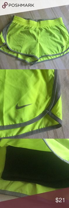 Nike Dri Fit Running Shorts, Medium Excellent used condition Nike Shorts