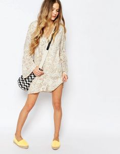 Image 4 ofBillabong Button Through Festival Tea Dress With Bell Sleeves In Floral Print