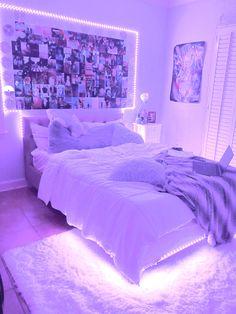 Neon Bedroom, Cute Bedroom Decor, Bedroom Decor For Teen Girls, Room Design Bedroom, Teen Room Decor, Room Ideas Bedroom, Bedroom Inspo, Pinterest Room Decor, Indie Room