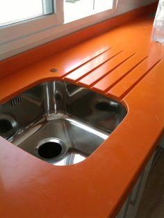 Secador naranjo con lineas