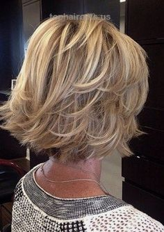 2-flicked-blonde-bob-hairstyle…  2-flicked-blonde-bob-hairstyle  http://www.tophaircuts.us/2017/07/05/2-flicked-blonde-bob-hairstyle/