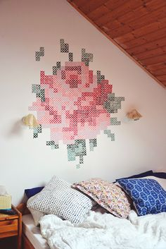 This beautiful mural is made with stamps. Click through for the tutorial! This beautiful mural is made with stamps. Click through for the tutorial! Lohals, Creative Wall Painting, Cute Dorm Rooms, Modern Cross Stitch, Clever Diy, My New Room, Cheap Home Decor, Diy Wall, Wall Art