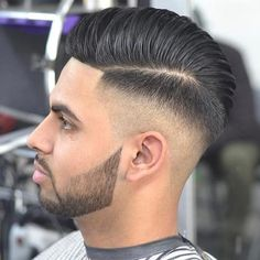 14 Popular Haircuts For Men to Copy in 2019 ~ Mens Hairstyles Top Haircuts For Men, Popular Mens Hairstyles, Best Short Haircuts, Popular Haircuts, Cool Haircuts, Hairstyles Haircuts, Classy Hairstyles, Trending Haircuts, High Skin Fade