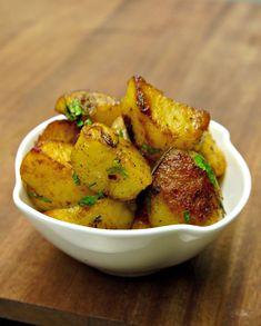 Το απόλυτο συνοδευτικό της γαλλικής σχολής: Πατάτες βουτύρου. Μίνιμαλ μαγειρική, μάξι γεύση και ελευθερία αρωματικού σχεδιασμού για τέλειους συνδυασμούς. Cookbook Recipes, Cooking Recipes, Greek Recipes, Soul Food, Cooking Time, Sweet Potato, Potato Salad, Side Dishes, Buffet
