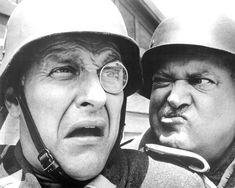 Hogans Heroes, Celebrity Deaths, Comedy Tv, Comedy Series, Vintage Tv, Vintage Photos, Old Shows, Old Tv, Classic Tv