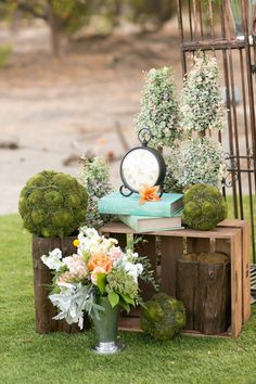 Peach shabby chic wedding | The Frosted Petticoat